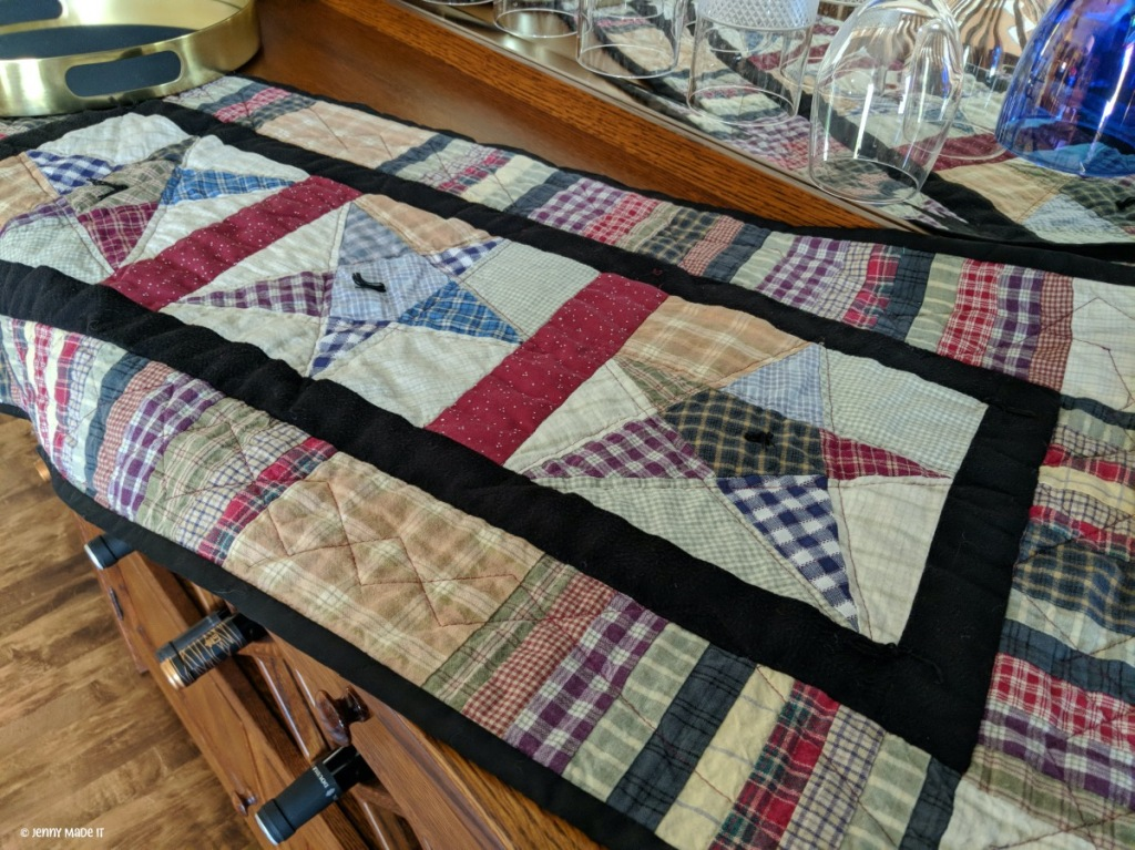 Photo of finished homespun star quilt